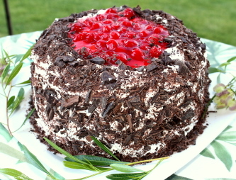 Black forest cherry torte for Black forest torte recipe